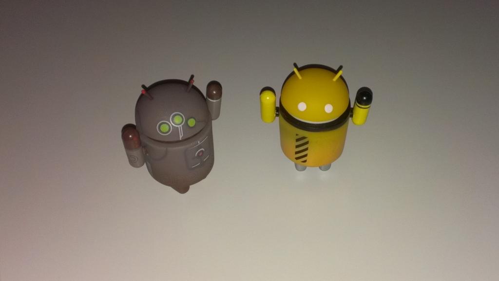 HTC One S - Interior con Flash normal