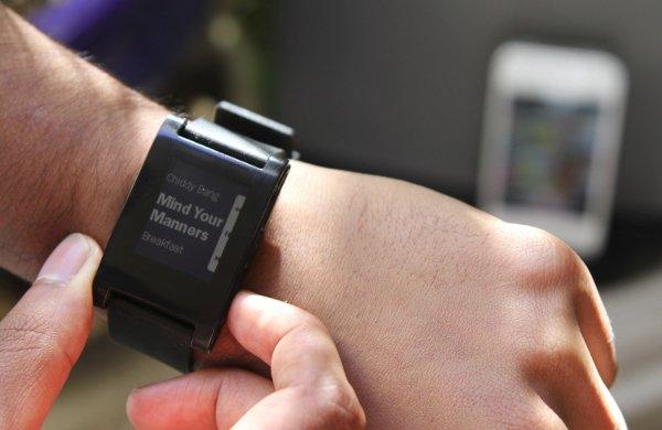 Cómo mostrar notificaciones en un reloj Pebble