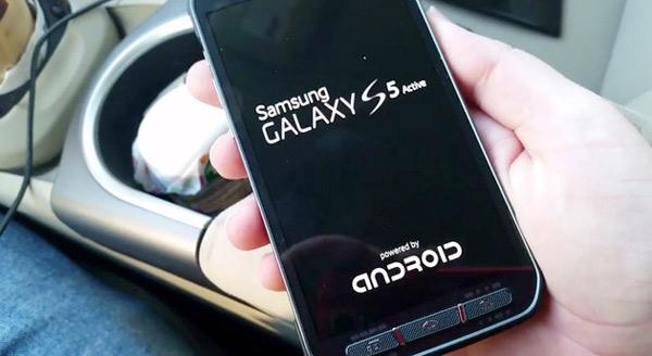 El Samsung Galaxy S5 Active se muestra en dos vídeos