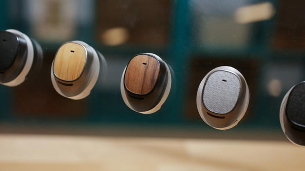 Moto-Hint-Headset-600