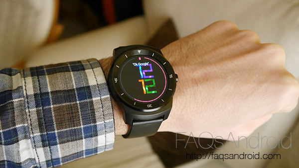 Android Wear, en tierra de nadie entre el Pebble y el Apple Watch