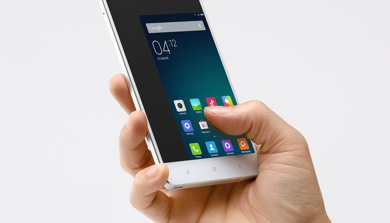 Xiaomi Mi Note a una mano