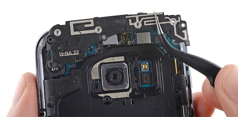 Samsung Galaxy S7: cuesta hacerlo 255$ y es muy difícil de arreglar