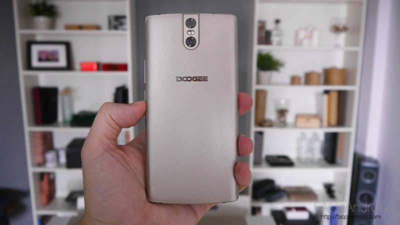 Doogee BL 7000: análisis de un móvil que es todo batería